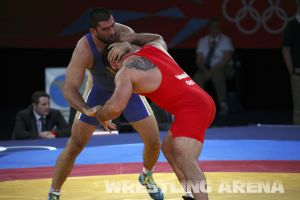 London2012FreestyleWrestling120kgModzmanashvili Makhov  (3).jpg