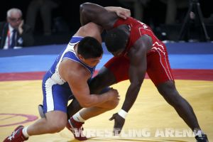London2012FreestyleWrestling120kgChuulunbat Ndiaye (13).jpg