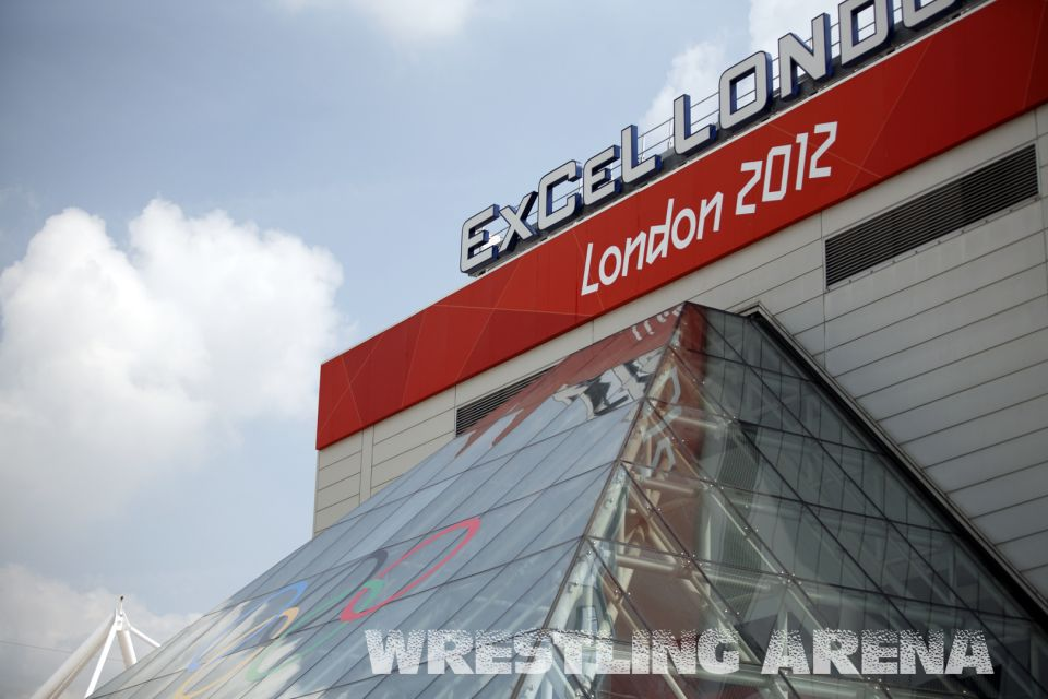 London2012FreestyleWrestling120kgMakhov Chuluunbat.jpg