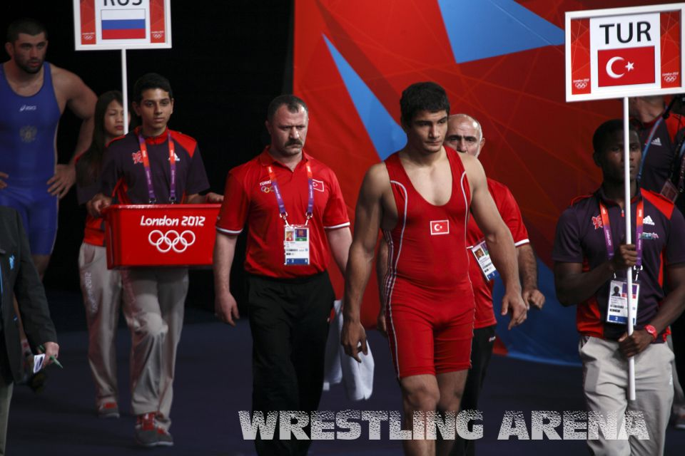 London2012Freestyle Wrestling120kgMakhov Akgul.jpg