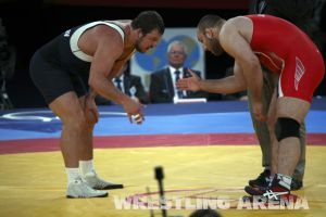 London2012FreestyleWrestling120kgDlagnev Shemarov  (14).jpg