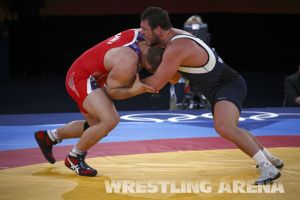 London2012FreestyleWrestling120kgDlagnev Shemarov  (17).jpg