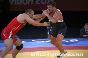 London2012FreestyleWrestling120kgDlagnev Shemarov  (18).jpg