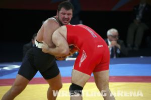 London2012FreestyleWrestling120kgDlagnev Shemarov  (19).jpg