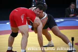 London2012FreestyleWrestling120kgDlagnev Shemarov  (24).jpg