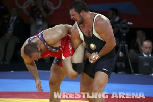 London2012FreestyleWrestling120kgDlagnev Shemarov  (38).jpg