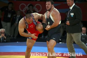 London2012FreestyleWrestling120kgDlagnev Shemarov  (40).jpg