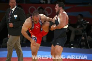 London2012FreestyleWrestling120kgDlagnev Shemarov  (42).jpg
