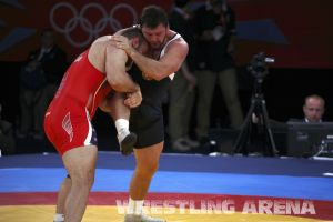 London2012FreestyleWrestling120kgDlagnev Shemarov  (7).jpg