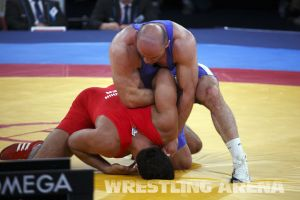 London2012Freestyle Wrestling120kgTaymazov Matuhin  (49).jpg