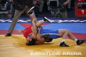 London2012FreestyleWrestling66kgTanatarov Sahin (17).jpg