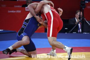 London2012FreestyleWrestling84kgAldatov Sokhiev (14).jpg