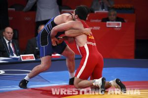 London2012FreestyleWrestling84kgAldatov Sokhiev (16).jpg