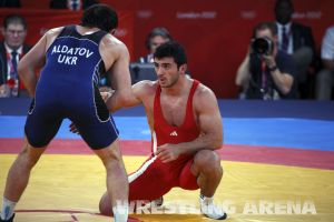 London2012FreestyleWrestling84kgAldatov Sokhiev (24).jpg