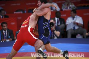 London2012FreestyleWrestling84kgAldatov Sokhiev (26).jpg