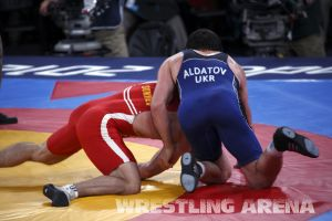 London2012FreestyleWrestling84kgAldatov Sokhiev (28).jpg