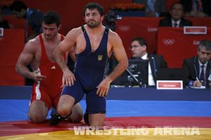 London2012FreestyleWrestling84kgAldatov Sokhiev (44).jpg