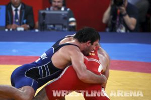 London2012FreestyleWrestling84kgAldatov Sokhiev (65).jpg