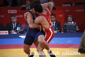 London2012FreestyleWrestling84kgAldatov Sokhiev (8).jpg
