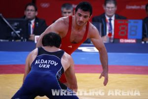 London2012FreestyleWrestling84kgAldatov Sokhiev (81).jpg