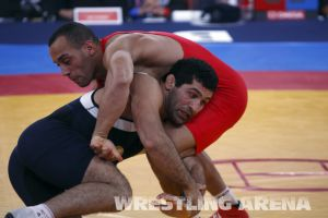London2012 Freestyle Wrestling 84kg Gattsiev Louafi (13).jpg
