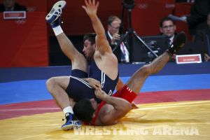 London2012FreestyleWrestling84kgSharifov Bolukbasi (17).jpg