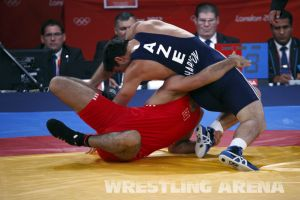 London2012FreestyleWrestling84kgSharifov Bolukbasi (20).jpg