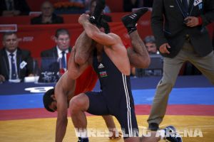 London2012FreestyleWrestling84kgSharifov Bolukbasi (33).jpg