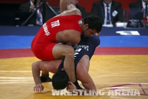 London2012FreestyleWrestling84kgSharifov Bolukbasi (45).jpg