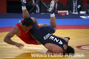 London2012FreestyleWrestling84kgSharifov Bolukbasi (46).jpg