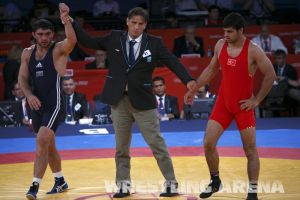 London2012FreestyleWrestling84kgSharifov Bolukbasi (52).jpg