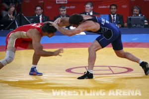 London2012FreestyleWrestling84kgUrishev Aldatov (10).jpg