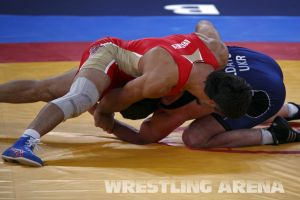 London2012FreestyleWrestling84kgUrishev Aldatov (12).jpg
