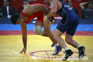 London2012FreestyleWrestling84kgUrishev Aldatov (16).jpg