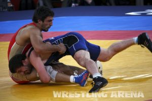 London2012FreestyleWrestling84kgUrishev Aldatov (24).jpg