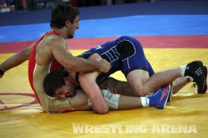 London2012FreestyleWrestling84kgUrishev Aldatov (25).jpg