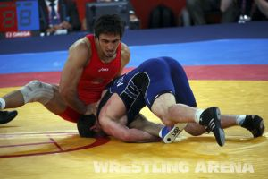 London2012FreestyleWrestling84kgUrishev Aldatov (27).jpg