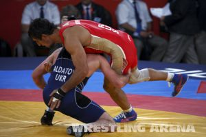 London2012FreestyleWrestling84kgUrishev Aldatov (35).jpg