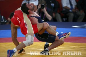 London2012FreestyleWrestling84kgUrishev Aldatov (36).jpg