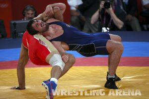 London2012FreestyleWrestling84kgUrishev Aldatov (37).jpg