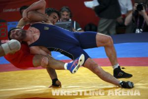 London2012FreestyleWrestling84kgUrishev Aldatov (38).jpg