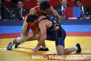 London2012FreestyleWrestling84kgUrishev Aldatov (50).jpg