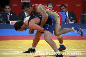 London2012FreestyleWrestling84kgUrishev Aldatov (52).jpg