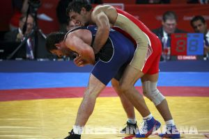London2012FreestyleWrestling84kgUrishev Aldatov (54).jpg