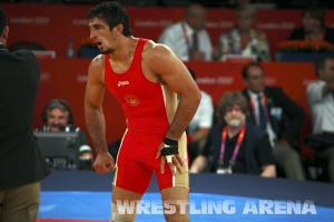 London2012FreestyleWrestling84kgUrishev Aldatov (64).jpg