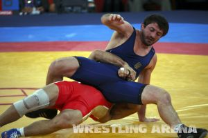 London2012FreestyleWrestling84kgUrishev Aldatov (8).jpg