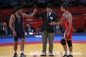 London2012FreestyleWrestling84kgSharifov Herbert.jpg