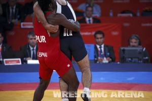 London2012FreestyleWrestling84kgEspinal Gattsiev (44).jpg