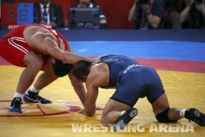 London2012FreestyleWrestling84kg Sharifov Lashgari  (18).jpg