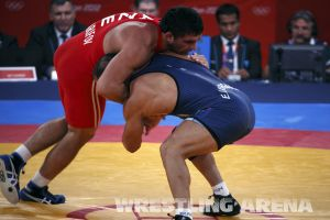 London2012FreestyleWrestling84kg Sharifov Lashgari  (19).jpg
